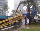 Cổng chào ven biển Đà Nẵng đổ sập trong bão