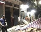 Hà Nội: Tường trường tiểu học đổ sập trước cửa nhà dân