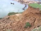 """Ám ảnh sông """"nuốt"""" hàng ngàn mét vuông đất của làng"""