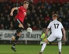 HLV Mourinho khen ngợi hai tài năng trẻ sau chiến thắng ở League Cup