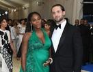Serena Williams bế bụng bầu dự tiệc