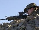 """""""Bóng hồng"""" đầu tiên trở thành sĩ quan thủy quân lục chiến Mỹ"""