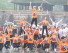 Mừng 60 năm ĐH Huế, 1.000 sinh viên đội mưa thi dân vũ