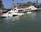 Tàu chở công nhân bất ngờ đắm khi đang neo trong cảng