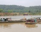Bắt quả tang 4 tàu khai thác cát trái phép trên sông Lạch Trường