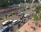 Tài xế taxi tông gãy tay người đi xe máy vì mâu thuẫn giao thông
