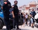 Cảnh sát Tây Ban Nha một mình diệt 4 nghi phạm khủng bố