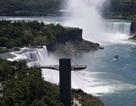 Bé trai 10 tuổi sống sót thần kỳ sau khi bị ngã xuống từ thác Niagara