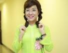 """MC Thảo Vân bất ngờ diện đồ bà ba sặc sỡ, khoe giọng hát """"ngọt lịm"""""""