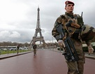 Pháp sẽ dựng tường kính chống đạn cao 2,5m quanh tháp Eiffel