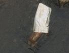 Phát hiện thi thể nam giới đang phân hủy trong bao tải