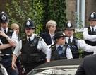 Thủ tướng Anh bị la ó khi tới thăm nạn nhân vụ cháy chung cư
