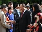 Thủ tướng nói chuyện thân mật với cộng đồng người Việt tại Hà Lan