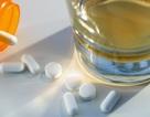 Vì sao không nên uống rượu khi đang dùng kháng sinh?