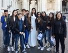 Sau hội ngộ Cristiano Ronaldo, Á hậu Thùy Dung lại tỏa sáng giữa Vatican