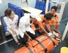 Cứu thuyền viên bị tai nạn nguy kịch trên biển