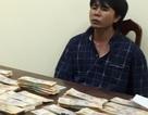 Bắt đối tượng vận chuyển 500 triệu tiền Việt Nam giả