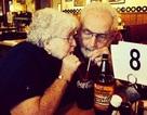 Ấm lòng những khoảnh khắc cho thấy tình yêu không có tuổi