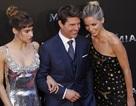 Tom Cruise trẻ trung bên các bạn diễn xinh đẹp