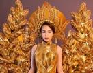 Bảo Ngọc mang trang phục lộng lẫy ra đấu trường nhan sắc Mrs Vietnam World
