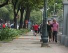 Cắt, chỉnh số barie trên vỉa hè để tránh làm khó người đi bộ