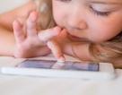Trẻ đang rơi vào tình thế nguy hiểm khi được chơi nhiều với máy tính bảng