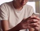 Cậu bé 11 tuổi tự sát sau khi bạn gái giả vờ chết trên mạng xã hội