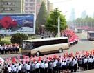 Hàng nghìn người Triều Tiên nô nức đón chào các nhà chế tạo tên lửa