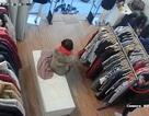 Hà Nội: Hai phụ nữ diễn trò, trộm đồ trong cửa hàng thời trang