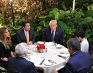 Tổng thống Trump mời Thủ tướng Abe ăn tối tại khu nghỉ dưỡng