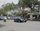 Đoàn xe hộ tống Thủ tướng Canada rời sân bay Tân Sơn Nhất