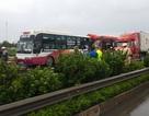 Hai xe khách va chạm trên cao tốc, nhiều người bị thương