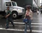 Thành phố Mỹ phát lệnh cấm dùng điện thoại di động khi đi bộ qua đường