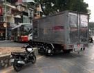 Hà Nội: Xe tải biển đỏ đâm xe máy, một người nhập viện