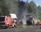 Xe buýt bốc cháy ở Đức, 17 người mất tích