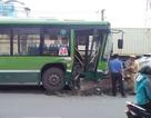 Hành khách la hét trên chiếc xe buýt gặp nạn, 4 người nhập viện