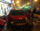 """Hà Nội: """"Xe điên"""" đâm 8 xe máy, nhiều người nhập viện"""