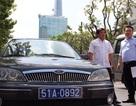 Xử phạt nhiều xe biển xanh đậu trên vỉa hè Sài Gòn