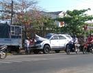 """Xe khách """"ủi"""" vào đuôi xe tải, 6 người bị thương"""