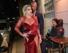 Lady Gaga diện váy táo bạo ra phố