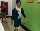 Sốc: Chồng mặc váy vợ đi làm sau khi U23 Việt Nam giành vé vào chung kết