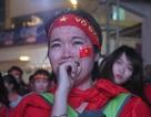 Người hâm mộ khóc tiếc nuối khi U23 Việt Nam vuột ngôi vô địch