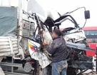 Xe tải tông xe tải trên cầu Thăng Long, một người tử vong