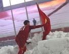 Duy Mạnh nói gì về hành động cắm lá Quốc kỳ trên tuyết?