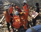 Indonesia chạy đua thời gian giải cứu nạn nhân thảm họa kép