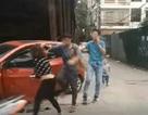 Hà Nội: Công an mời người chồng đánh vợ dã man trên phố lên làm việc