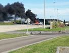 Máy bay chiến đấu F-16 bị thiêu rụi sau vụ nổ ở căn cứ quân sự Bỉ