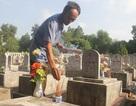 Cựu binh hơn 35 năm chăm sóc mộ phần đồng đội