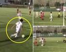 Con trai C.Ronaldo solo đẹp mắt, ghi bàn cho đội trẻ Juventus