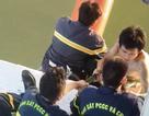 Giải cứu nam thanh niên cố thủ trên dây cáp cầu Thuận Phước